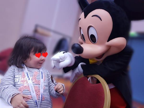 mi niña y Mickey