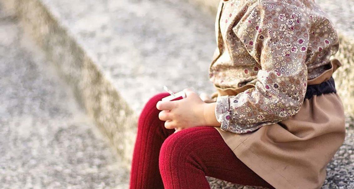 cómo combinar leotardos y vestido
